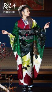 ローラ×振袖-緑|ローラ着用の振袖をご紹介