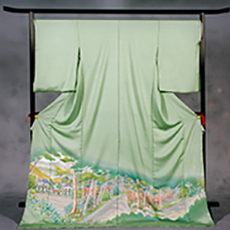 40 軽井沢町 「旧三笠ホテル」 色留袖